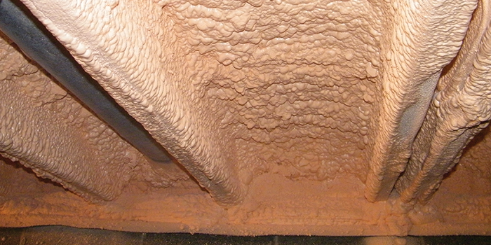 how to put insulation in a crawl space
